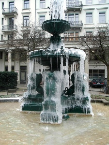 A fantastic frozen fountain in Zurich