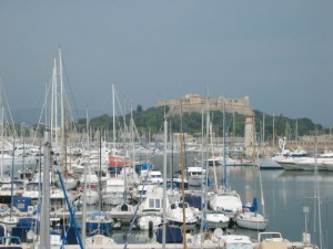Beautiful Antibes.  I would have loved to stay there, but it just didn't make sense for what I wanted to do......