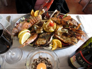 A simple grilled mixed seafood plate for one (!). At a mere EUR18 it's genuinely frugalfirstclass!