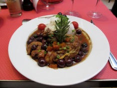 Guinea fowl with grapes