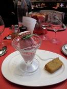 Biscuit rose ice cream