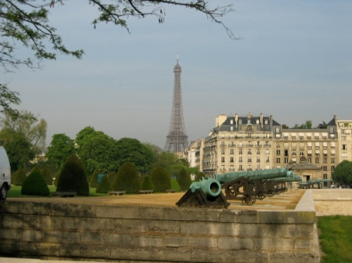 Invalides with cannons and Eiffel Tower in backgrou