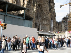 Queuing at Sagrada Familia - queues add no value to your trip and waste your time and money
