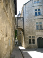 ARchway in provence
